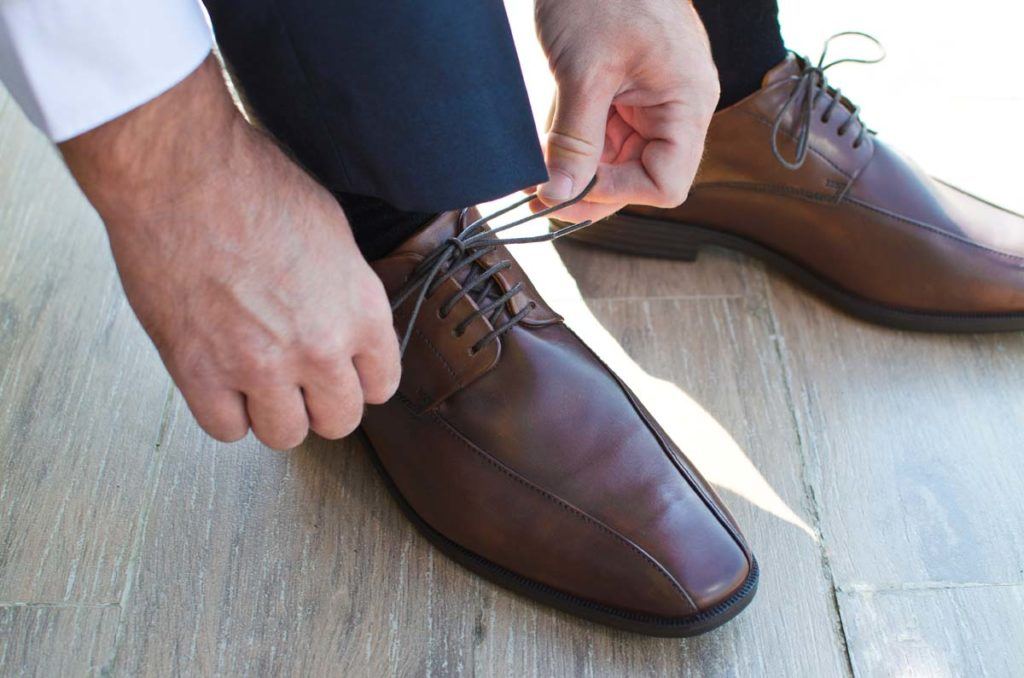 best-shoes-for-dark-gray-suit